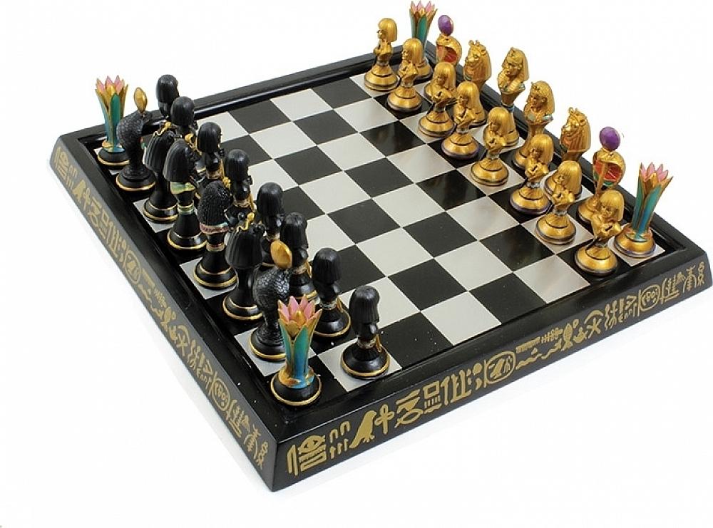 Egyptian Themed Chess Set [13.5   x 13.5 ]  il prezzo più basso
